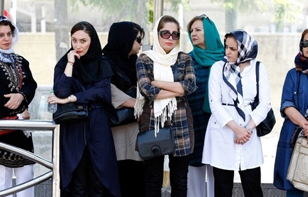 abbigliamento donne iran