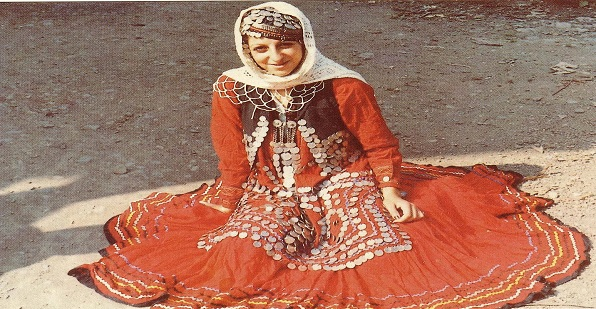 Iran traditional dress