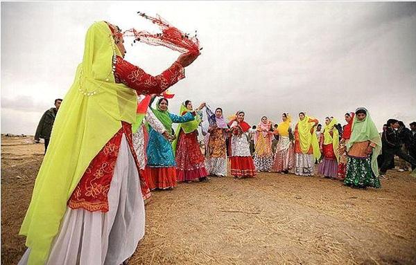 Iran vestiti tradizionale