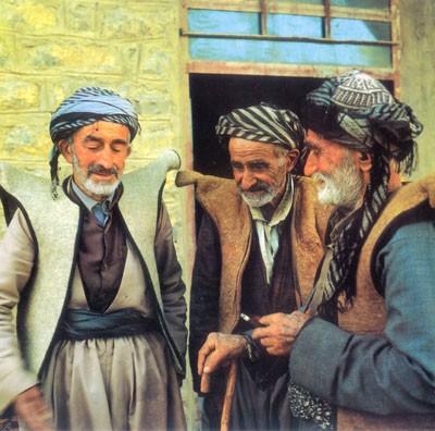 iran vestiti tradizionale Curd