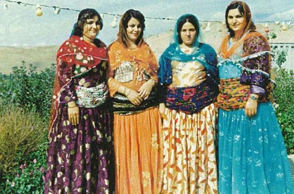 iran vestiti tradizionale donne Curdi